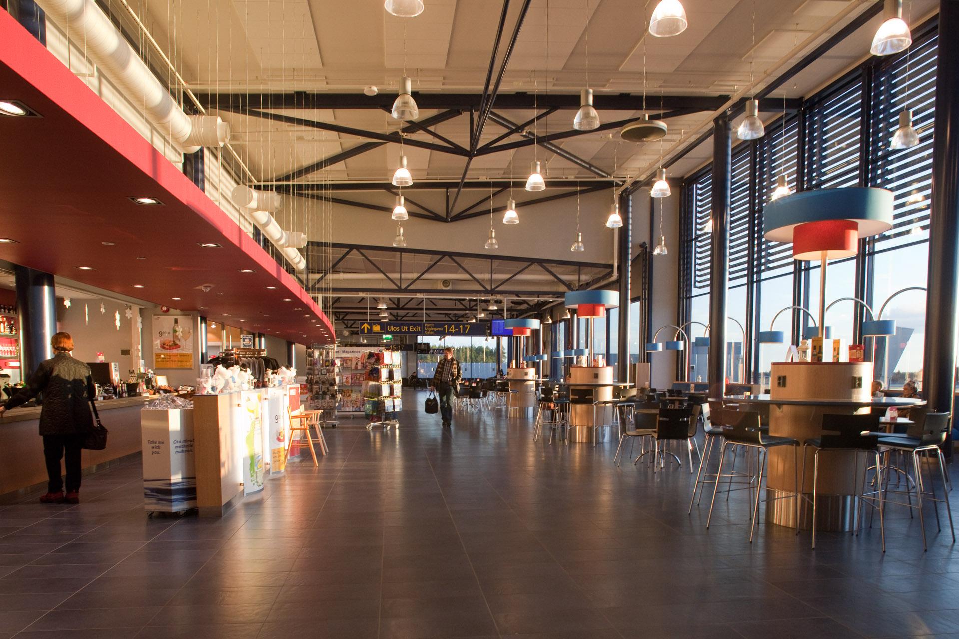 Pysäköinti Oulun Lentoasema